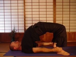 Bài tập yoga chữa trị xuất tinh sớm