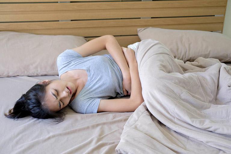 Đau bụng kinh khiến người bệnh không thể làm việc, học tập