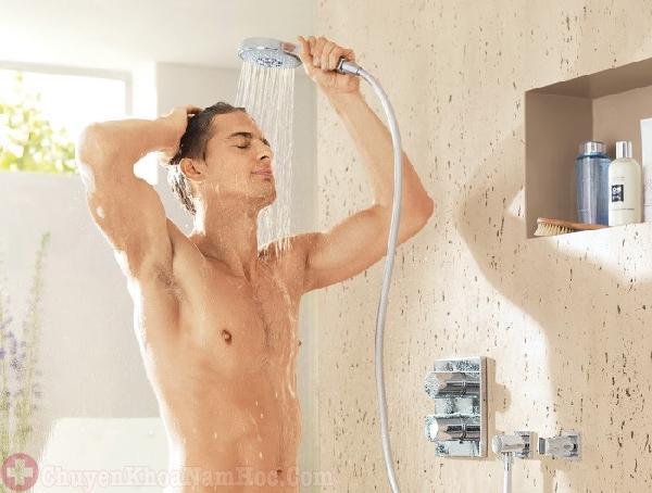 khắc phục xuất tinh sớm bằng cách tắm