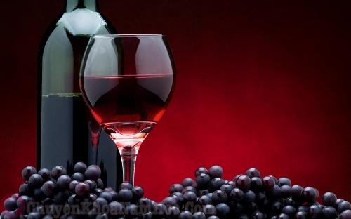 Rượu vang đỏ, thức uống kéo dài thời gian quan hệ