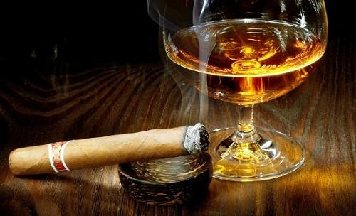 Thuốc lá, rượu bia làm cho tinh trùng bị yếu đi