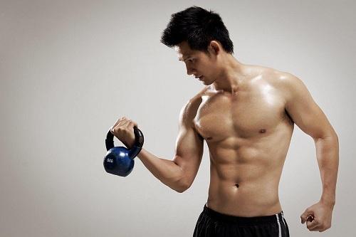 Đàn ông tập gym nhiều ảnh hưởng đến sinh lý