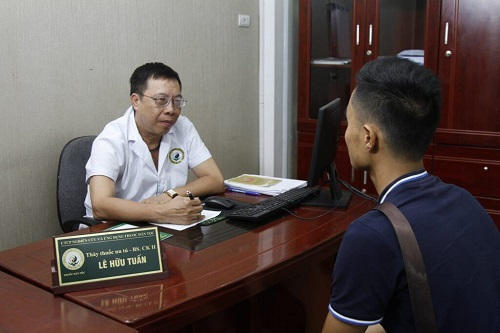 Thầy thuốc ưu tú - Bác sĩ Lê Hữu Tuấn (Nguồn ảnh: internet)