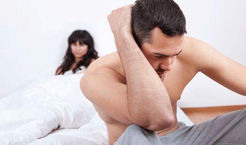 Suy giảm ham muốn, rối loạn cương dương là một trong những nguyên nhân khiến vợ chồng xích mích