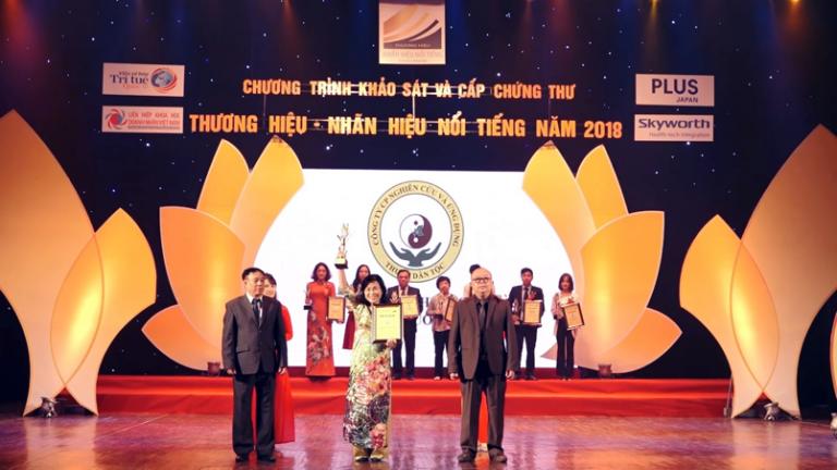Công ty CP Thuốc dân tộc vinh dự nhận giải Top 50 các thương hiệu – nhãn hiệu nổi tiếng năm 2018
